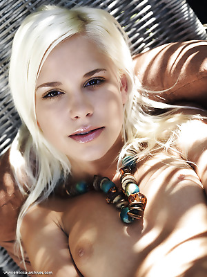 Errotica-Archives  Dido  Blondes, Erotic, Softcore, Seduce